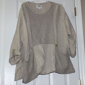 BROWN LINEN TOP WITH ADORABLE BUTTONS